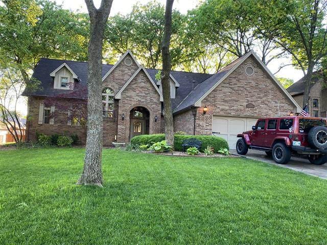 9002 S Lakewood Avenue, Tulsa, OK 74137 (MLS #2113417) :: Active Real Estate