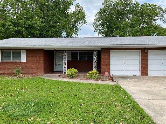 703 Sherwood, Ardmore, OK 73401 (MLS #2113434) :: House Properties