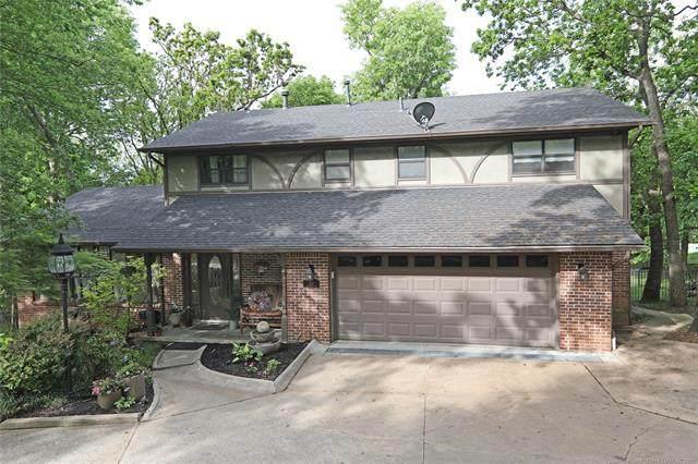 1311 Evergreen Drive, Bartlesville, OK 74006 (MLS #2113473) :: 918HomeTeam - KW Realty Preferred