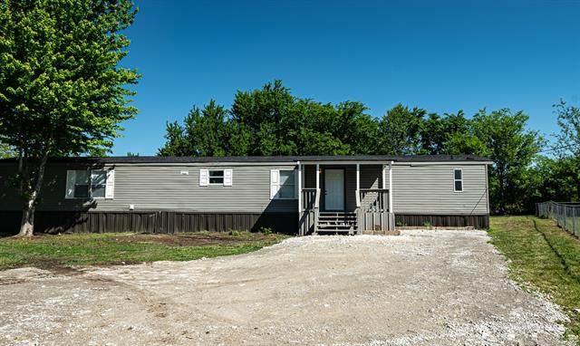 8316 S 300th East Avenue, Broken Arrow, OK 74011 (#2113854) :: Homes By Lainie Real Estate Group