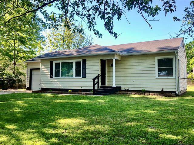 2402 Fredonia Street, Muskogee, OK 74403 (MLS #2113892) :: 918HomeTeam - KW Realty Preferred