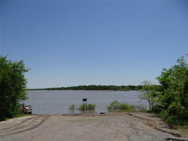 265 E Hilltop Drive, Mcalester, OK 74501 (#2113980) :: Homes By Lainie Real Estate Group