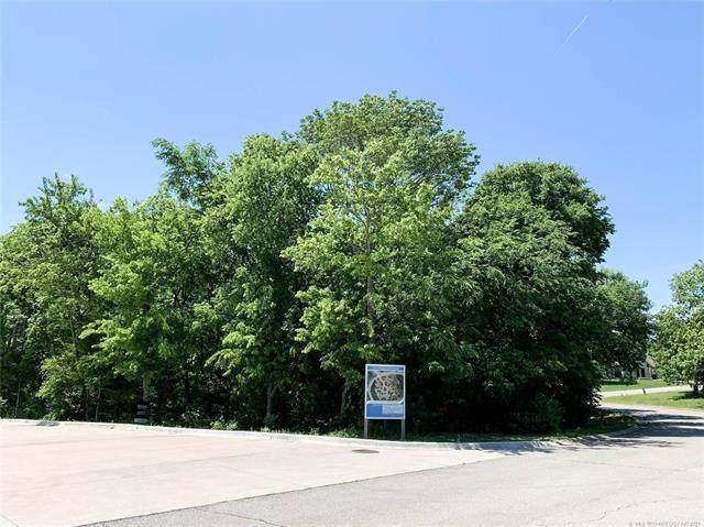 2001 Sheffield Lane, Bartlesville, OK 74006 (MLS #2113996) :: 918HomeTeam - KW Realty Preferred