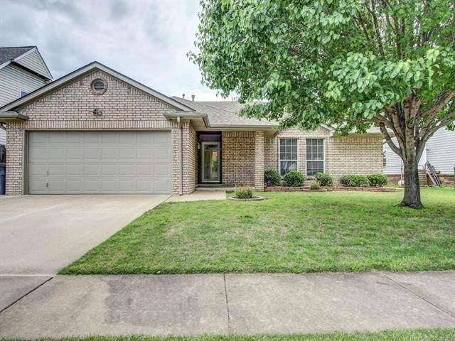 2737 S 121st East Avenue, Tulsa, OK 74129 (MLS #2114056) :: 580 Realty