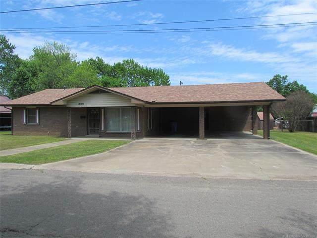 209 NW 5th Street, Checotah, OK 74426 (MLS #2114069) :: 580 Realty