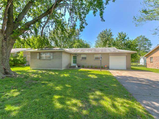 12178 E 21st Court, Tulsa, OK 74129 (MLS #2114111) :: 580 Realty