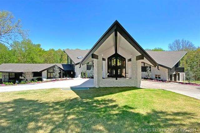 2858 E 67th Place, Tulsa, OK 74136 (MLS #2114205) :: Hopper Group at RE/MAX Results