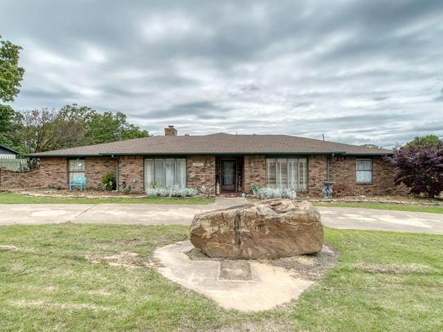 1311 Hillcrest Drive, Henryetta, OK 74437 (MLS #2114301) :: Active Real Estate
