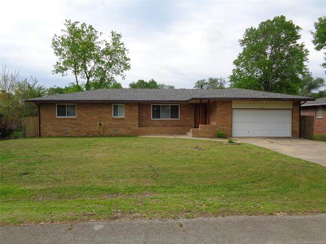 4107 Wayside Drive, Bartlesville, OK 74006 (MLS #2114426) :: 580 Realty
