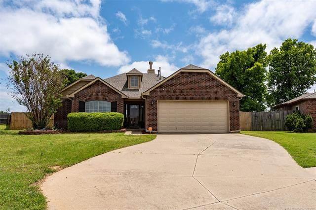 5441 Redbud Drive, Sand Springs, OK 74063 (MLS #2114458) :: Owasso Homes and Lifestyle