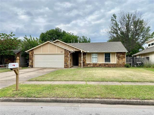 2712 W Houston Place, Broken Arrow, OK 74012 (MLS #2114657) :: House Properties