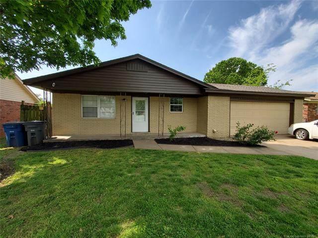 12004 E 28th Street, Tulsa, OK 74129 (MLS #2114697) :: Hopper Group at RE/MAX Results
