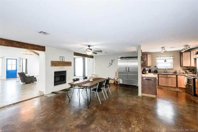 11114 E 68th Street B, Tulsa, OK 74133 (MLS #2114759) :: 918HomeTeam - KW Realty Preferred