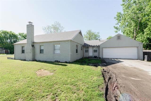 902 S 83rd East Avenue, Tulsa, OK 74112 (MLS #2114760) :: Owasso Homes and Lifestyle