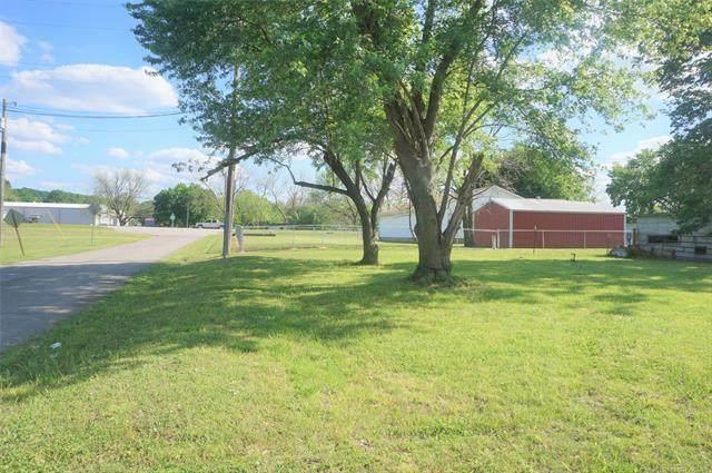 107 N Cedar Street, Dewar, OK 74431 (MLS #2114889) :: 918HomeTeam - KW Realty Preferred