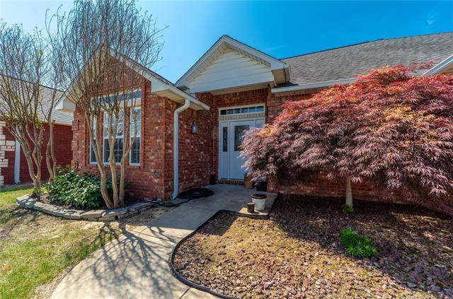 1404 Sweetgum, Mcalester, OK 74501 (MLS #2114892) :: House Properties