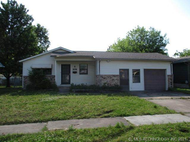306 N Beaumont Street, Owasso, OK 74055 (MLS #2114981) :: Hopper Group at RE/MAX Results