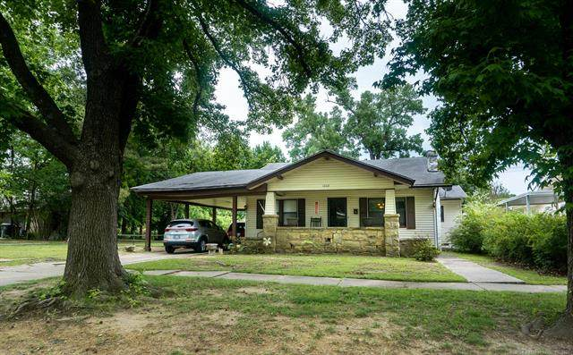 1602 E 8th Street, Okmulgee, OK 74447 (MLS #2115129) :: Hopper Group at RE/MAX Results
