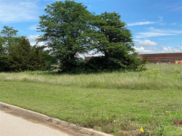 808 Praire View, Ardmore, OK 73401 (MLS #2115337) :: 918HomeTeam - KW Realty Preferred