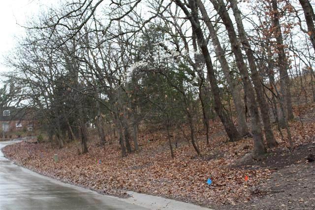 1445 Oakdale Drive, Bartlesville, OK 74006 (MLS #2115502) :: 918HomeTeam - KW Realty Preferred