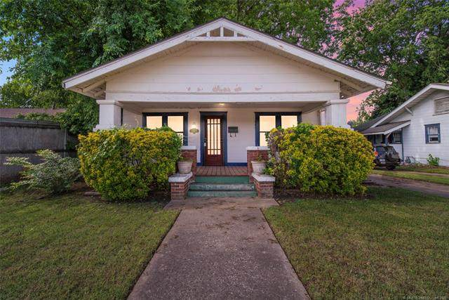 1752 E 14th Street, Tulsa, OK 74104 (MLS #2115584) :: 918HomeTeam - KW Realty Preferred