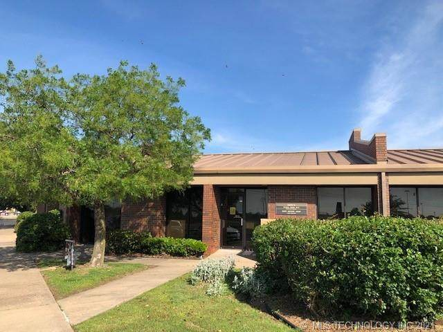 333 S 38th Street E, Muskogee, OK 74401 (MLS #2115586) :: Hopper Group at RE/MAX Results