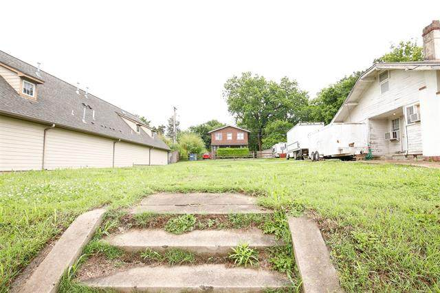 1231 S Peoria Avenue, Tulsa, OK 74120 (MLS #2115648) :: Hopper Group at RE/MAX Results