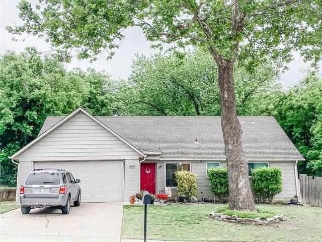 8543 E 58th Street, Tulsa, OK 74145 (MLS #2115730) :: Hopper Group at RE/MAX Results