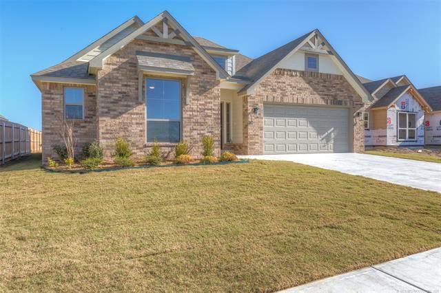 5122 S Walnut Creek Drive, Sand Springs, OK 74063 (MLS #2115791) :: 918HomeTeam - KW Realty Preferred