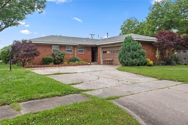 8645 E 28th Place, Tulsa, OK 74129 (MLS #2116455) :: Active Real Estate