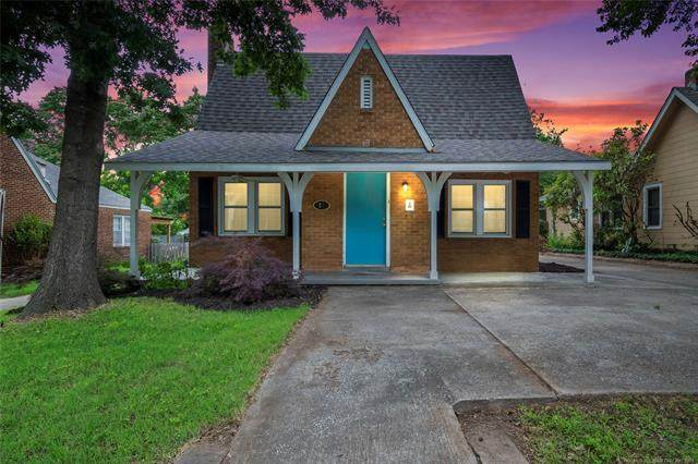 1231 S Florence Place, Tulsa, OK 74104 (MLS #2116634) :: 918HomeTeam - KW Realty Preferred