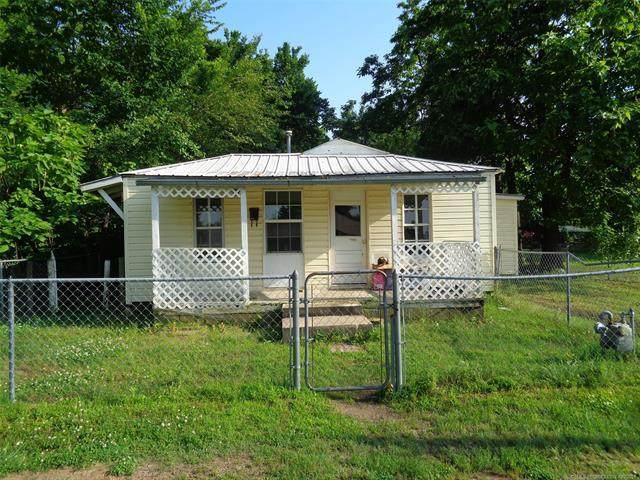 232 E Mcgee Avenue, Eufaula, OK 74432 (MLS #2116999) :: 918HomeTeam - KW Realty Preferred