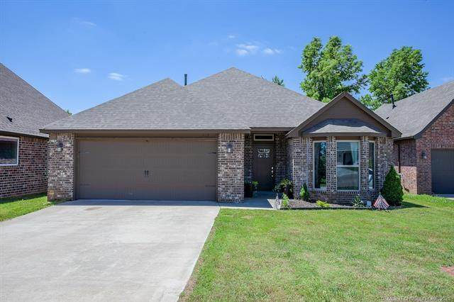 512 E Grant Place, Bristow, OK 74010 (MLS #2117015) :: 580 Realty