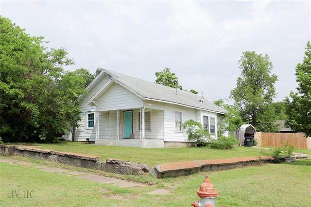 1302 W Broadway Street, Collinsville, OK 74021 (MLS #2117050) :: Active Real Estate