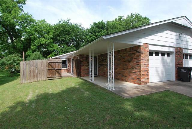 1911 Hillcrest Drive #1, Bartlesville, OK 74003 (MLS #2117061) :: Active Real Estate