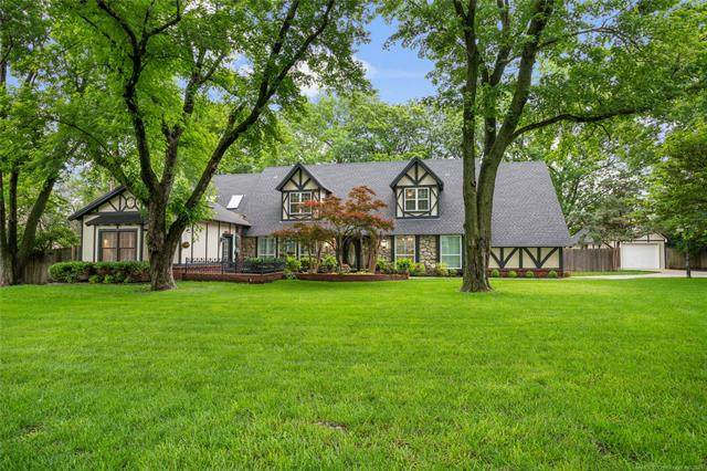 5919 S Gary Place, Tulsa, OK 74105 (MLS #2117120) :: Hopper Group at RE/MAX Results