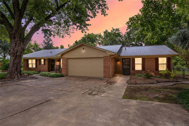 8456 E 116th Street S, Bixby, OK 74008 (MLS #2117280) :: Hopper Group at RE/MAX Results