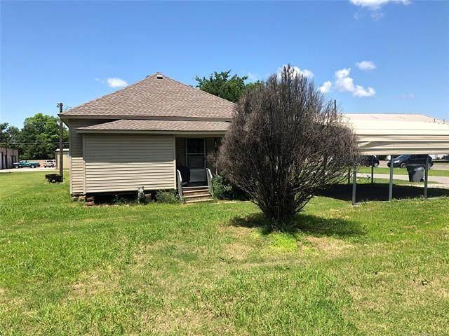302 S Lee Avenue, Wagoner, OK 74467 (MLS #2117290) :: House Properties