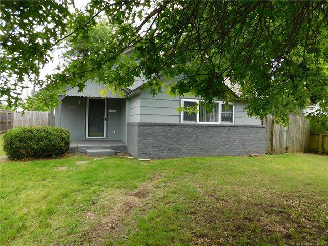 2737 S Louisville Avenue, Tulsa, OK 74114 (MLS #2117361) :: Hopper Group at RE/MAX Results