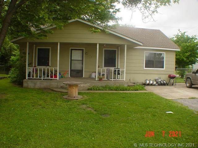 316 N Ora Street, Pryor, OK 74361 (MLS #2117910) :: 918HomeTeam - KW Realty Preferred