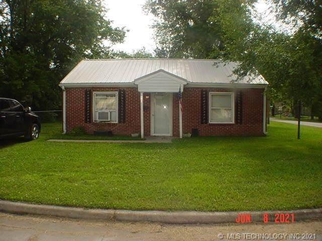 401 N Orphan Street, Pryor, OK 74361 (MLS #2117918) :: 918HomeTeam - KW Realty Preferred