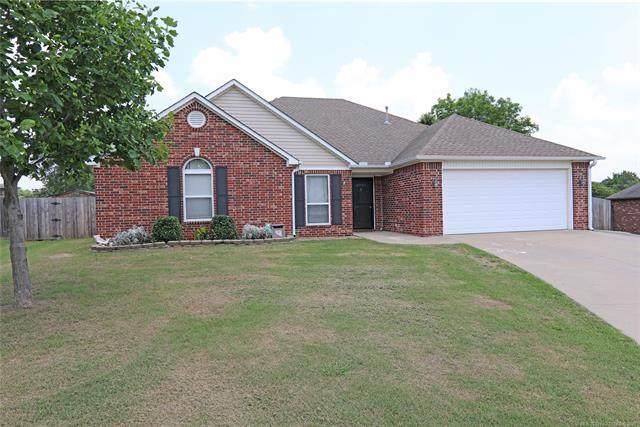 1904 Richmond Drive, Bartlesville, OK 74006 (MLS #2117927) :: Active Real Estate