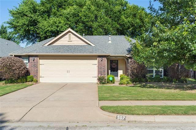 507 N Sycamore Street, Jenks, OK 74037 (MLS #2117930) :: Active Real Estate
