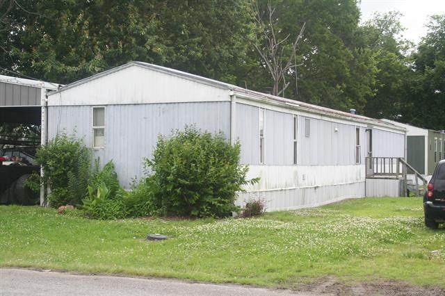 403 S Cherokee Street, Locust Grove, OK 74352 (MLS #2117951) :: 918HomeTeam - KW Realty Preferred