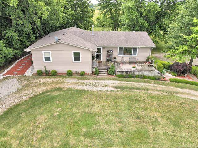 398371 W 1550 Road, Dewey, OK 74029 (MLS #2118107) :: Active Real Estate