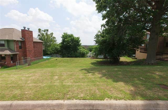 6814 E 65th Street, Tulsa, OK 74133 (MLS #2118118) :: 918HomeTeam - KW Realty Preferred