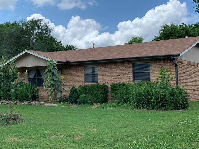 605 Willard Stone Circle, Locust Grove, OK 74352 (MLS #2118126) :: 918HomeTeam - KW Realty Preferred