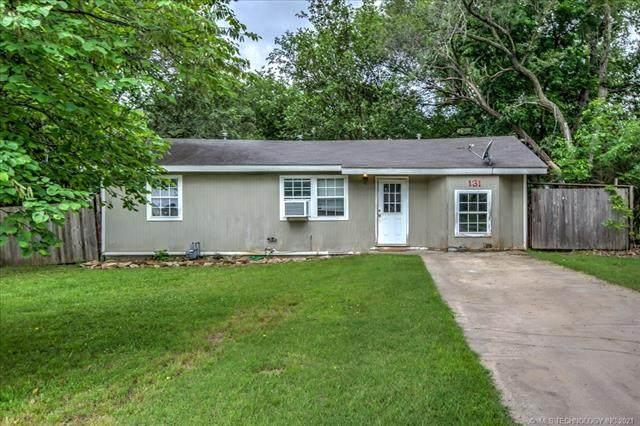 131 N Fenway Avenue, Bartlesville, OK 74006 (MLS #2118180) :: Active Real Estate