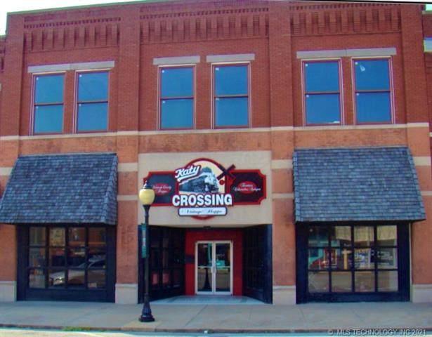 106 S Main Street, Wagoner, OK 74467 (MLS #2118330) :: House Properties