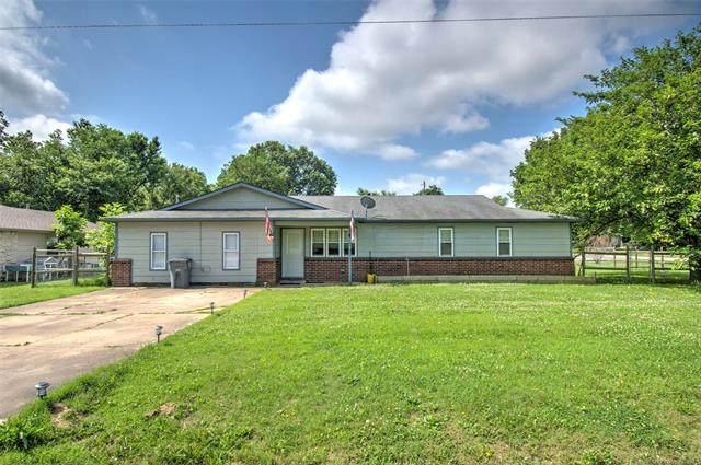 802 NE 3rd Street, Wagoner, OK 74467 (MLS #2118349) :: House Properties